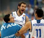 图文:欧锦赛希腊夺冠 斯潘乌利斯庆祝