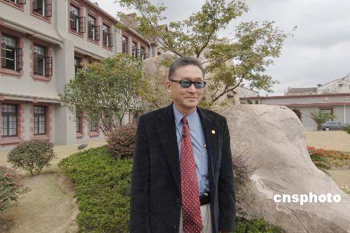 图:李敖五十六年后重返上海母校