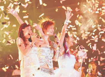 童话上演秋夜不冷 超级女声全国巡演成都首唱