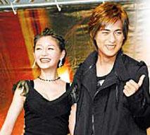 刘晓庆二十年前温馨照片曝光