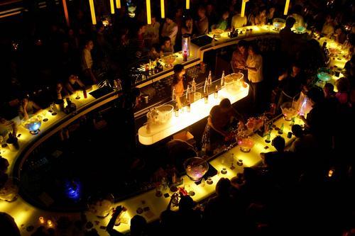组图:揭开李亚鹏上海酒吧VIP ROOM神秘面纱