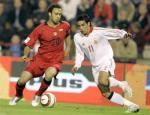 图文:世界杯比利时VS西班牙 维森特积极防守