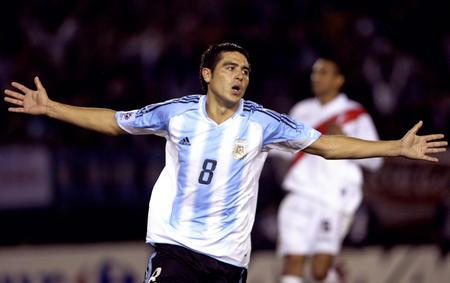 图文:阿根廷2-0秘鲁