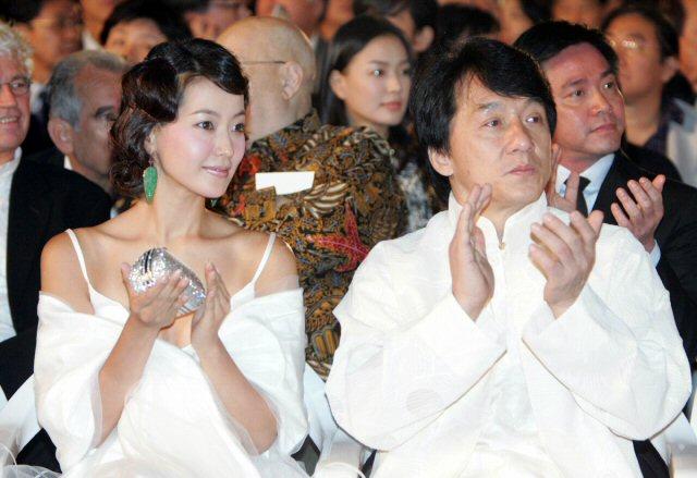 成龙 中国/成龙、金喜善在釜山电影节现场...