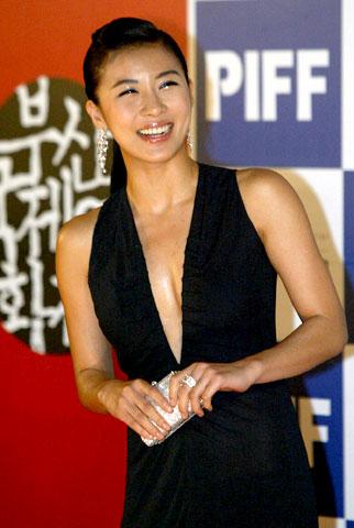 组图:中日韩超级明星云集 釜山电影节10年祭