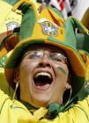 图文:玻利维亚逼平巴西 巴西队球迷为球员加油