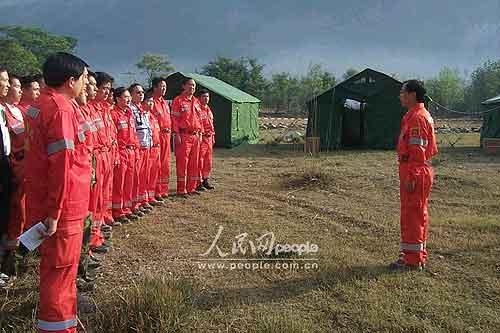 组图:巴基斯坦的中国救援队(2)