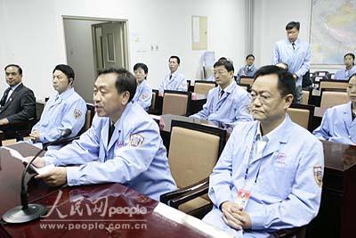 组图:北京航天飞控中心圆满完成神六发射任务