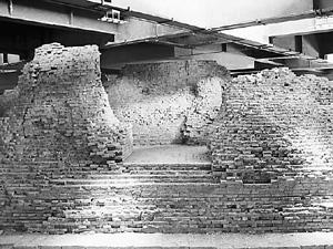塔之下被保护的雷峰塔遗址-雷峰塔今昔图片