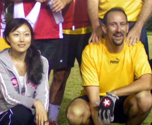 图文:法拉利内部足球赛 神秘的中国女子