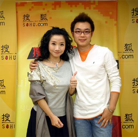 陶晶莹为搜狐网友秀老公裸照 生儿子起名李敖