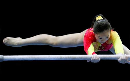 图文:十运体操女子个人全能赛