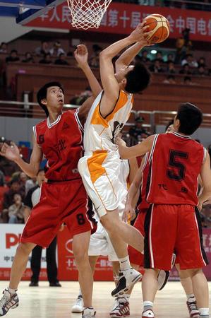 [十运会](15)篮球�D�D男篮第二日赛况