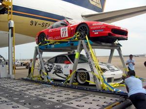 GT赛车高贵外形令人惊叹 747专机运抵澳门(图)