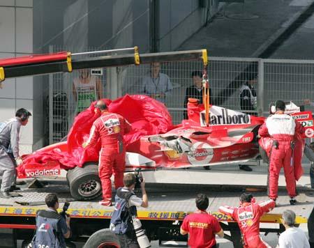 图文:F1开幕式明星云集 车王的座驾