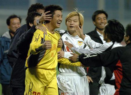 图文:武汉挺进中超杯决赛 黄鹤楼队守门员王宇