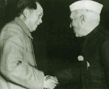 1954年10月,毛泽东会见印度总理尼赫鲁