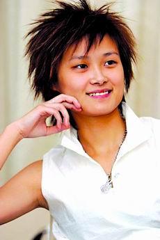 2005超级女生年度总冠军李宇春精美写真集-1