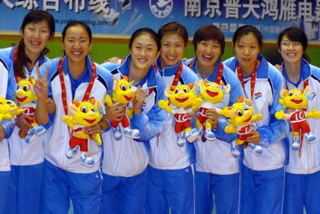 图文:十运女排比赛落幕