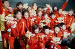图文:十运会女足比赛 北京队队员夺冠后合影