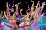 图文:十运会隆重闭幕 美少女翩翩起舞