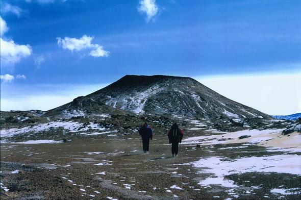 昆仑山火山口探险活动图片集