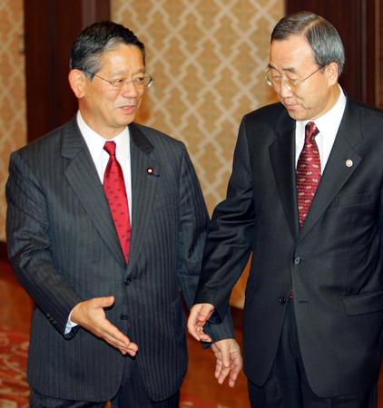 日本外务大臣会见韩国外交通商部长(2)