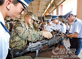 日本自民党想把自卫队改成自卫军(图)