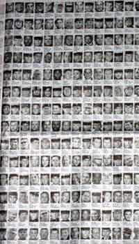 《纽约时报》用多个版面刊登了第二个1000名在伊拉克战争中死亡的美国军人照片和名单