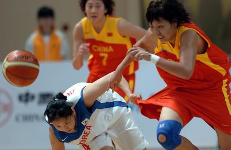 图文:中国女篮75-67胜韩国