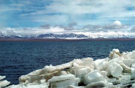 蓝色明珠--鲸鱼湖