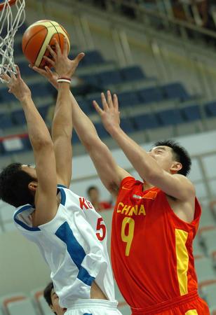 图文:中国男篮击败韩国