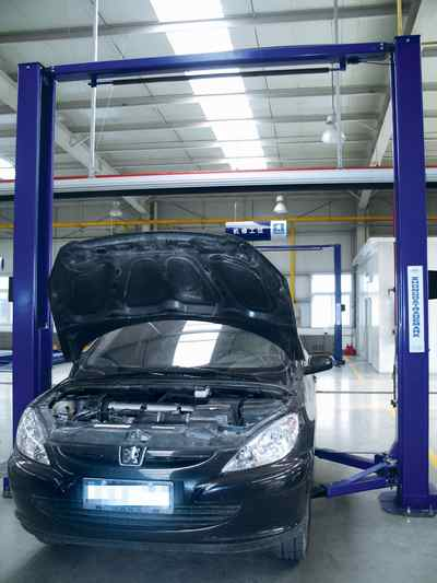 汽车发动机机油的检查及更换