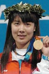 2004年奥运杜丽夺得首块金牌