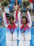 2004年首块奥运网球金牌--李婷/孙甜甜