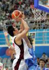 图文:中国男篮险胜韩国夺铜牌 伊藤俊亮投篮