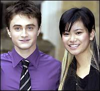 《哈利波特4》火爆首映 梁凯蒂不做哈利女友