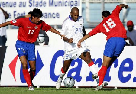 [体育](3)足球�D�D友谊赛:法国险胜哥斯达黎加
