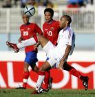 图文:友谊赛法国胜哥斯达黎加 亨利挑球过人