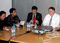 大众公司与众记者探讨MMT
