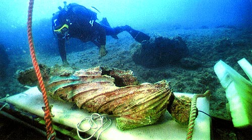 考古學家在大西洋海底發現了古文明的遺跡.圖片