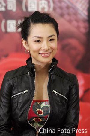 图文:《夜半歌声》刘璇友情客串 亲切的笑容