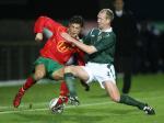 图文:友谊赛葡萄牙1-1平北爱尔兰 小小罗争抢