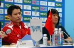 图文:女排遭遇两连败 陈忠和郎平出席发布会