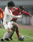 图文:友谊赛中国战平保加利亚 张耀坤防守