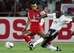 图文:特立尼达首进世界杯 双方激烈拚抢