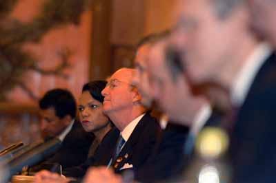 图文:美国副总统切尼和赖斯在中美会谈现场
