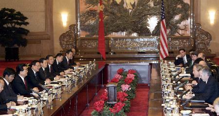 胡锦涛与布什举行会谈 接受邀请尽早访美(图)