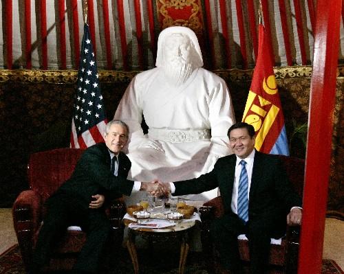 布什结束对蒙古短暂访问 蒙美发表联合声明(图)
