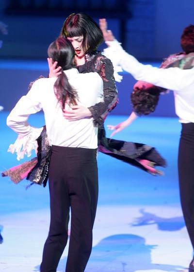 周迅惊艳献出第一次 与猛男跳限制级贴身艳舞